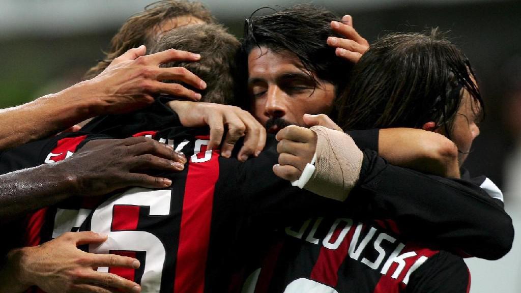 Marek Jankulovski s hráči AC Milán