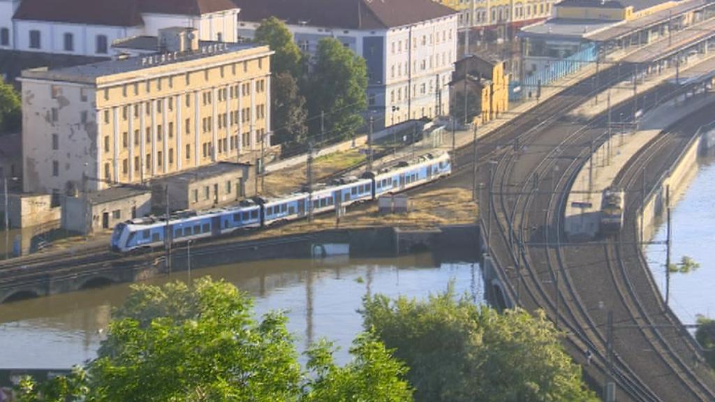 Vlak a povodeň