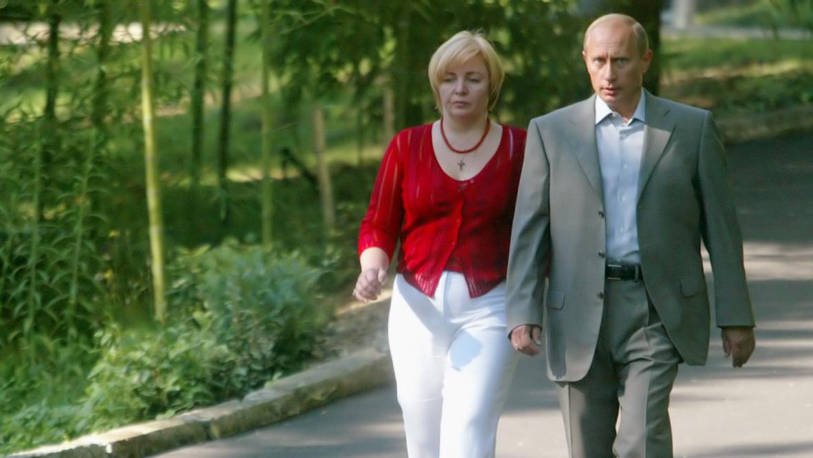 Ljudmila a Vladimir Putinovi v roce 2003