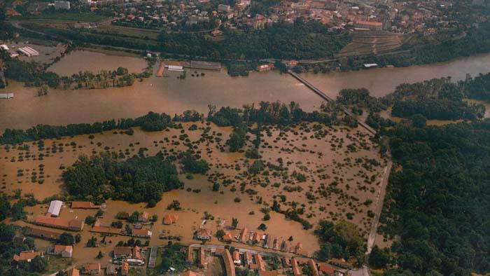 Zaplavený Hořín 2002
