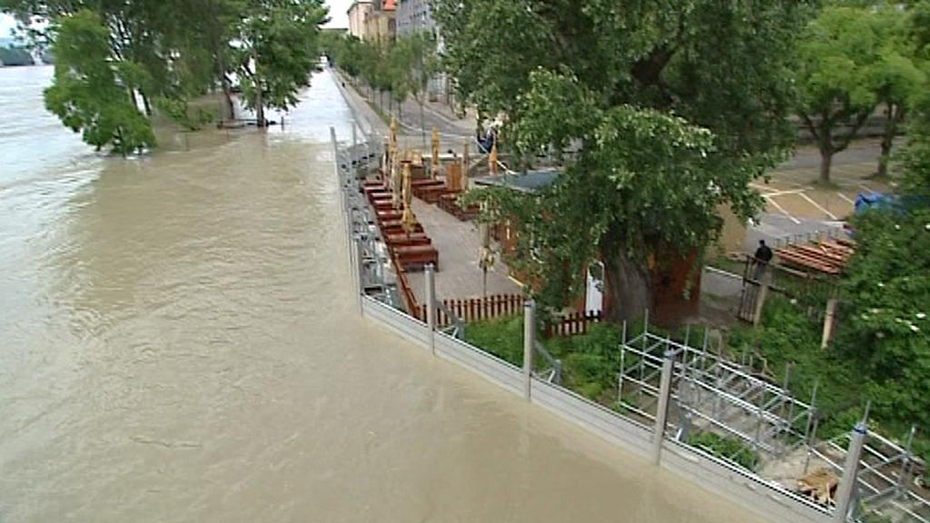 Protipovodňové zátarasy Bratislavu uchránily