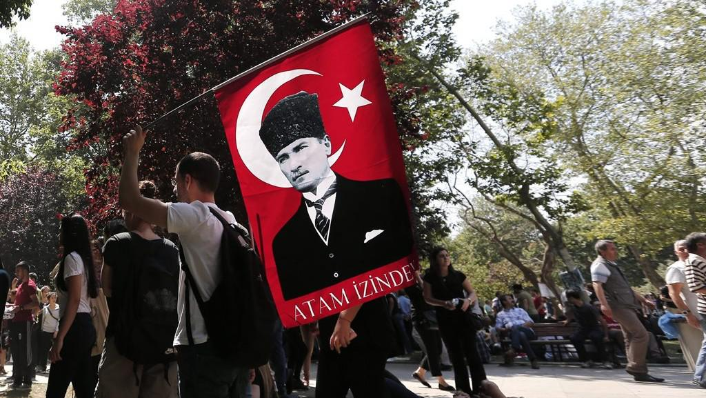 Protivládní demonstrace v Istanbulu