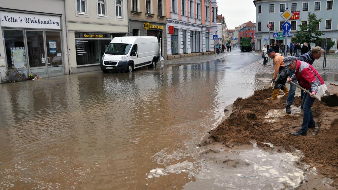 Centrum Míšně zaplavuje Labe