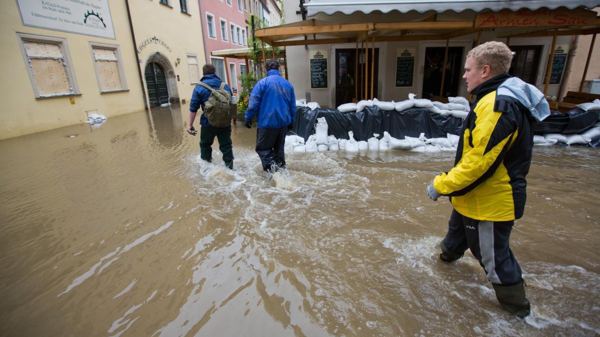 Záplavy ve městě Pirna v Sasku