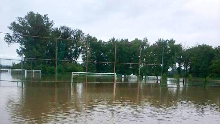 Fotbalové hřiště v Lužci nad Vltavou