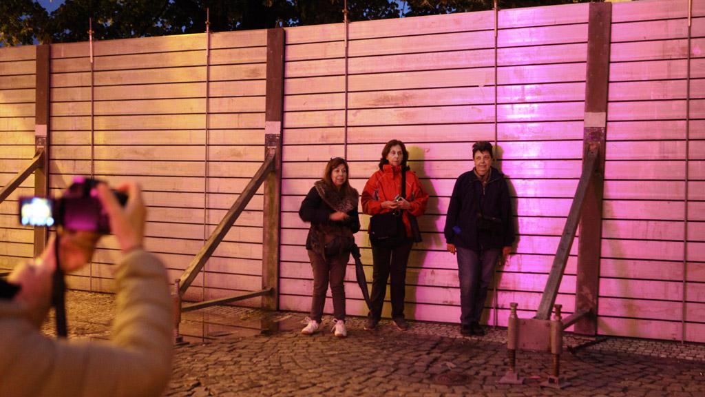 Protipovodňové stěny se staly součástí pražských kulis