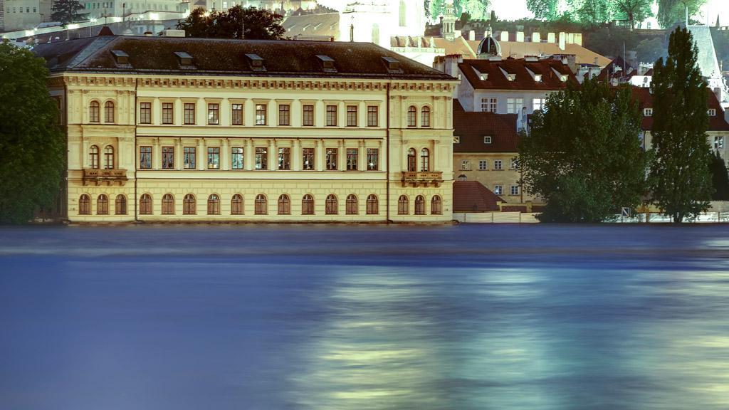 Přízemí Lichtenštejnského paláce pod vodou