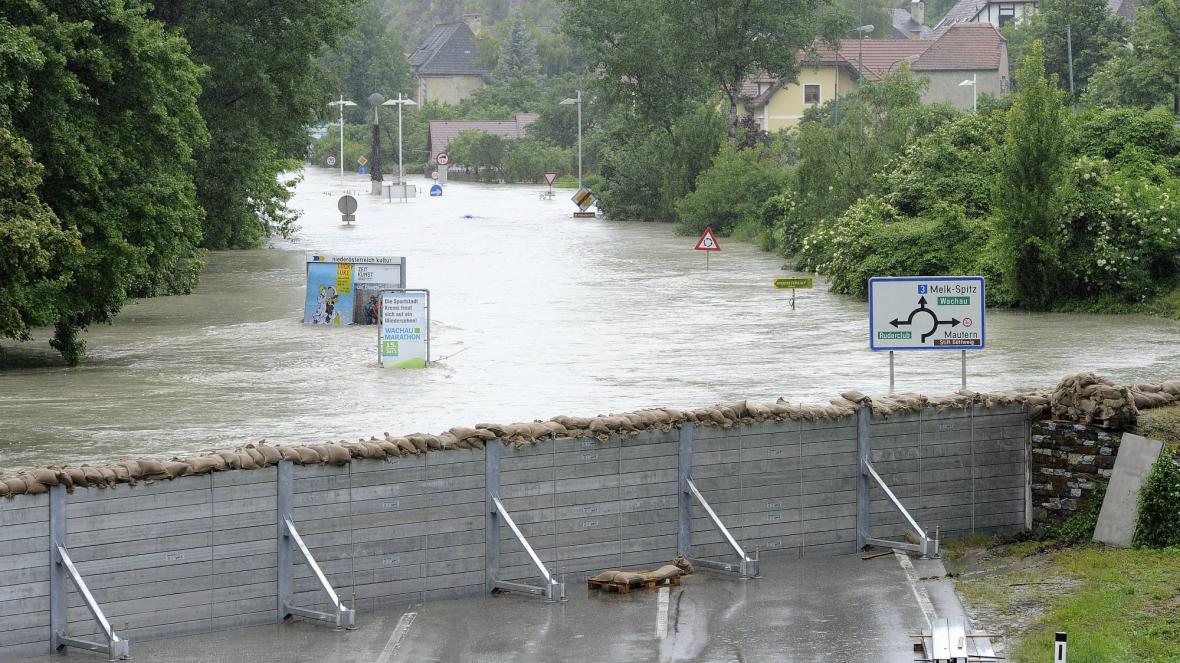 Protipovodňové bariéy v Kremži