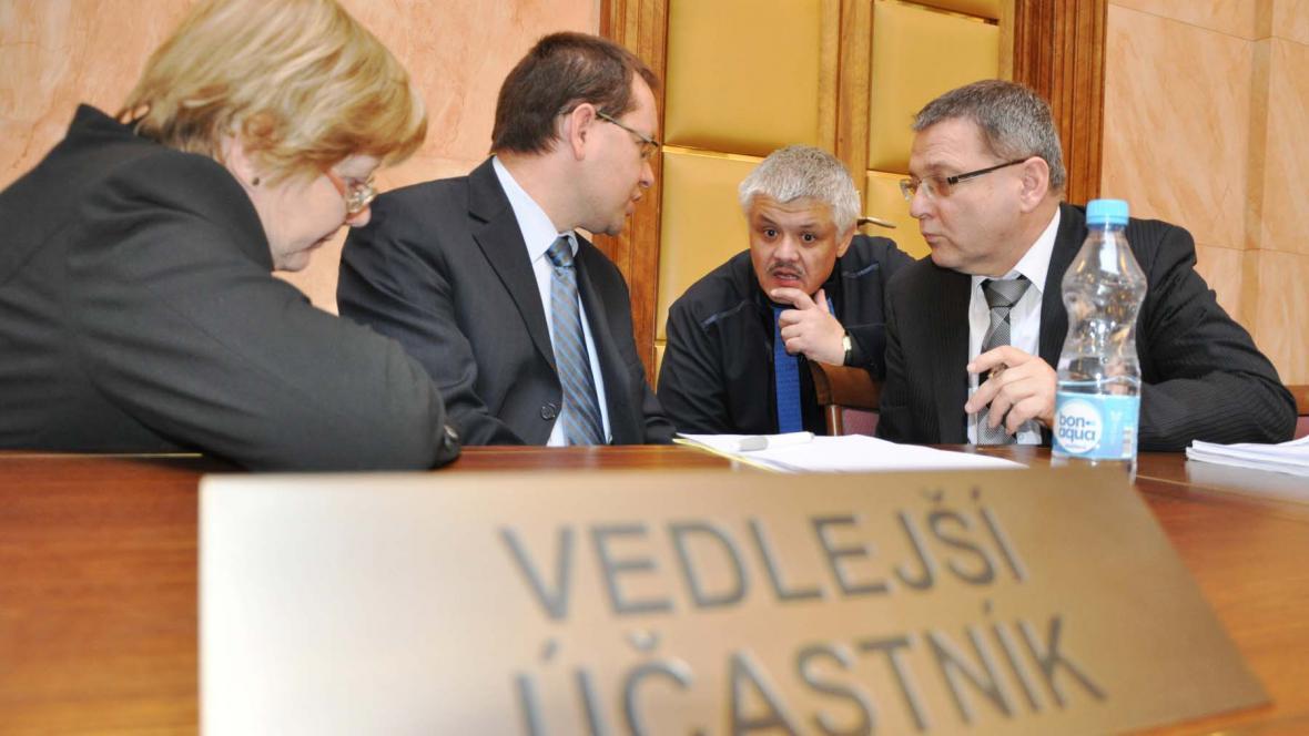 Jednání Ústavního soudu o církevních restitucích
