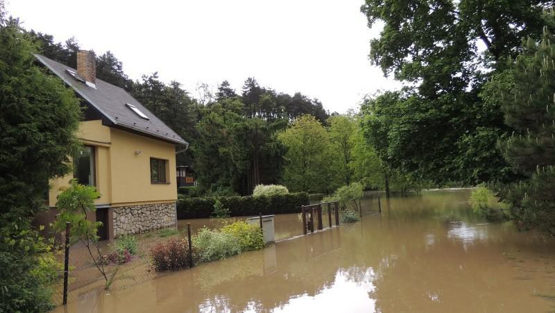 Povodeň v obci Lety