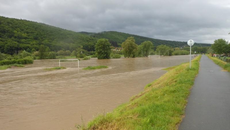 Velká voda v obci Lety u Dobřichovic