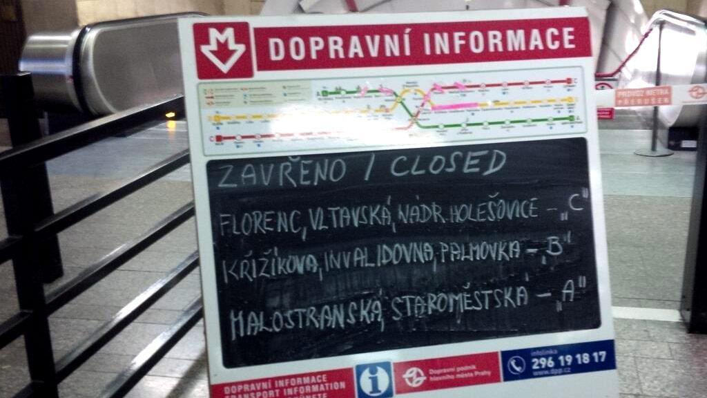 Zavřené metro v Praze