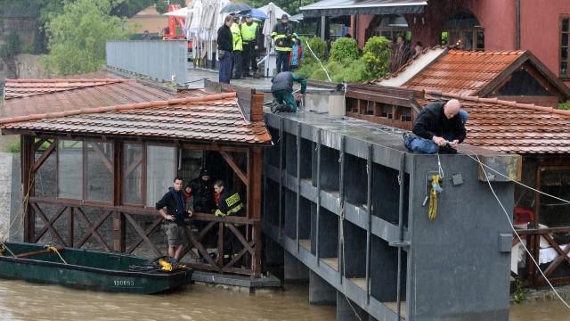 Stavba protipovodňových stěn na Čertovce