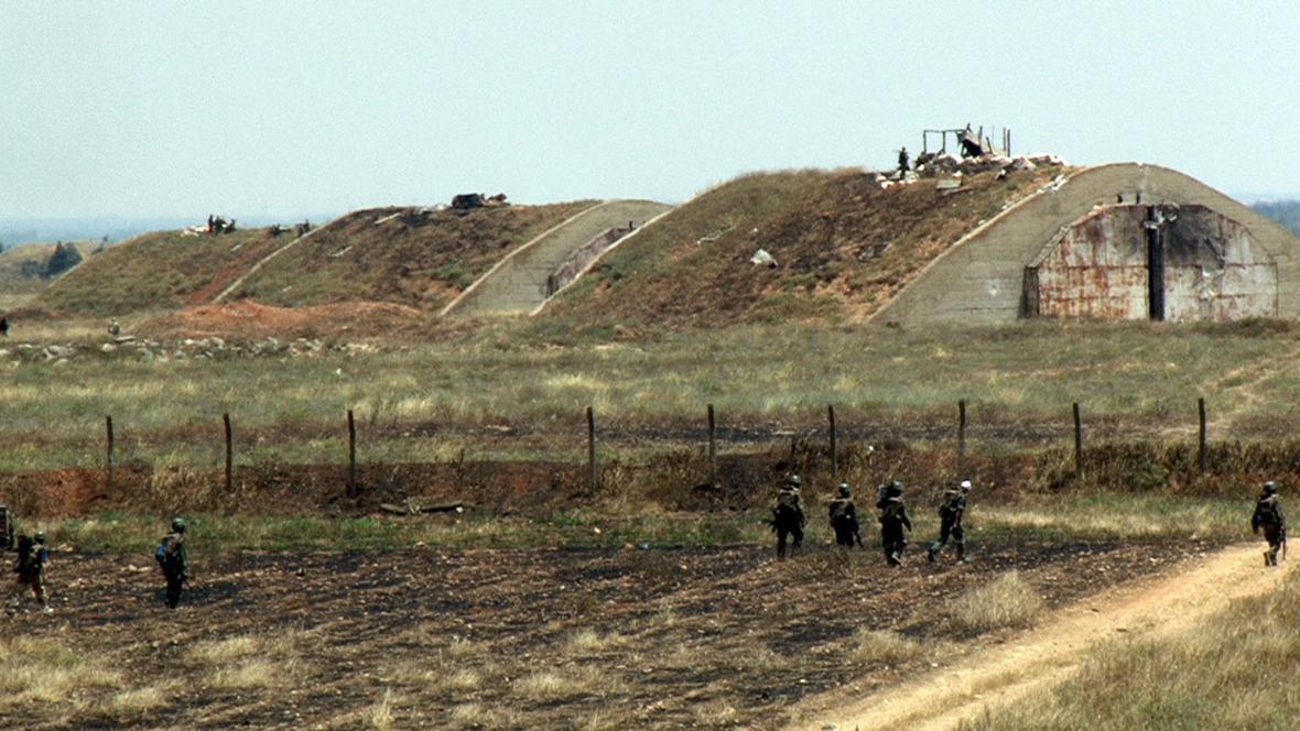 Syrská armáda hlídá letiště