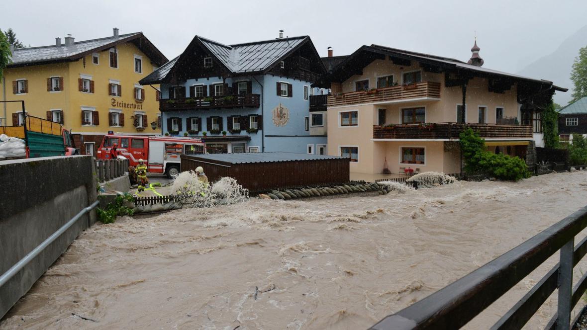 Povodně v rakouském Loferu