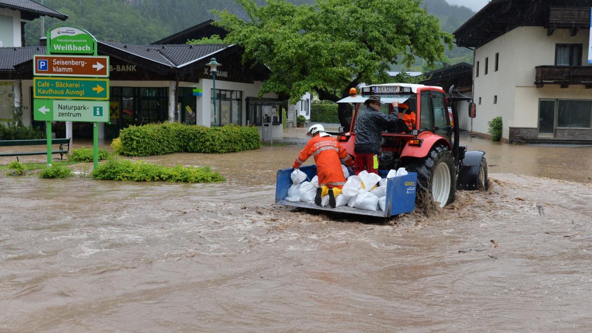 Povodně v rakouském Weissbachu