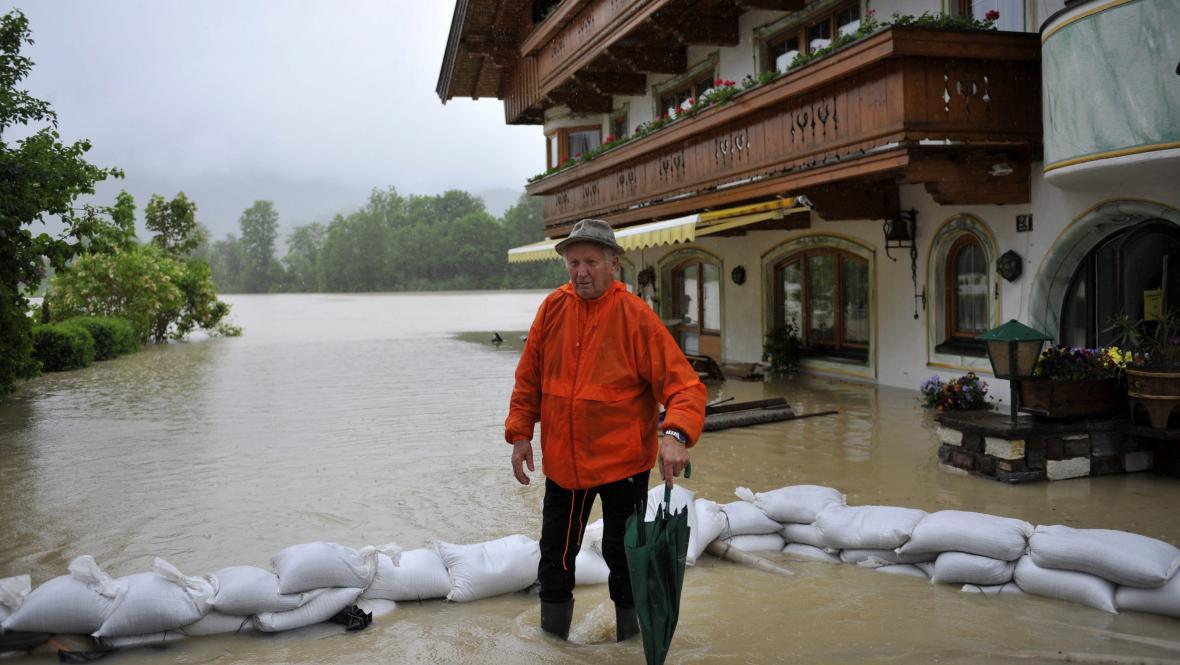 Velká voda v tyrolském Koessenu