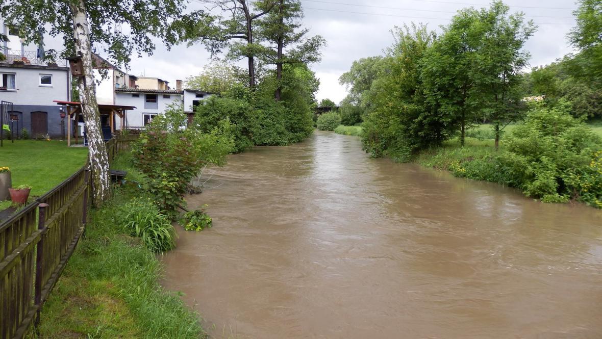 Hostomice, řeka Bílina