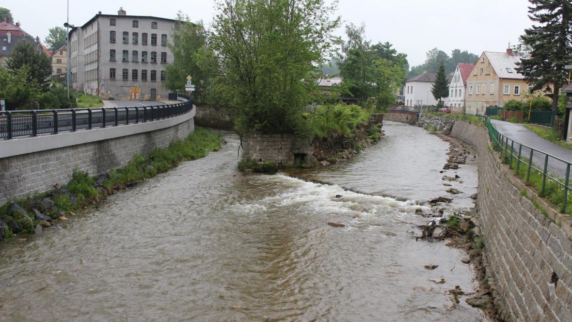 Jeřice v Chrastavě - stav dnes v 7,15 hod.