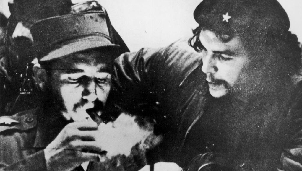 Che Guevara s Fidelem v době kubánské revoluce