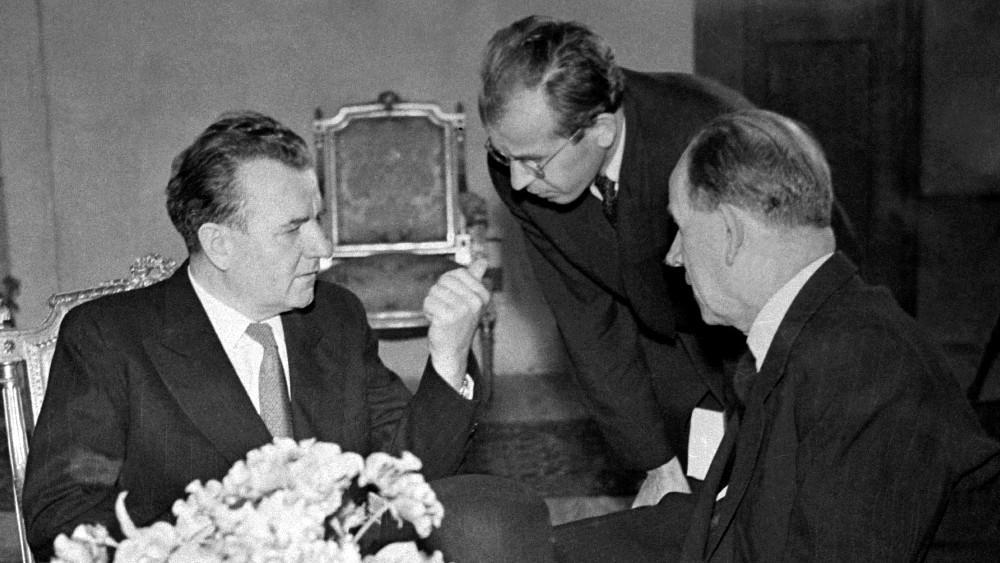 Gottwald s Husákem a Zápotockým