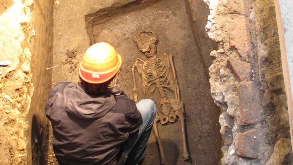 Archeologové objevili dva raně středověké hroby