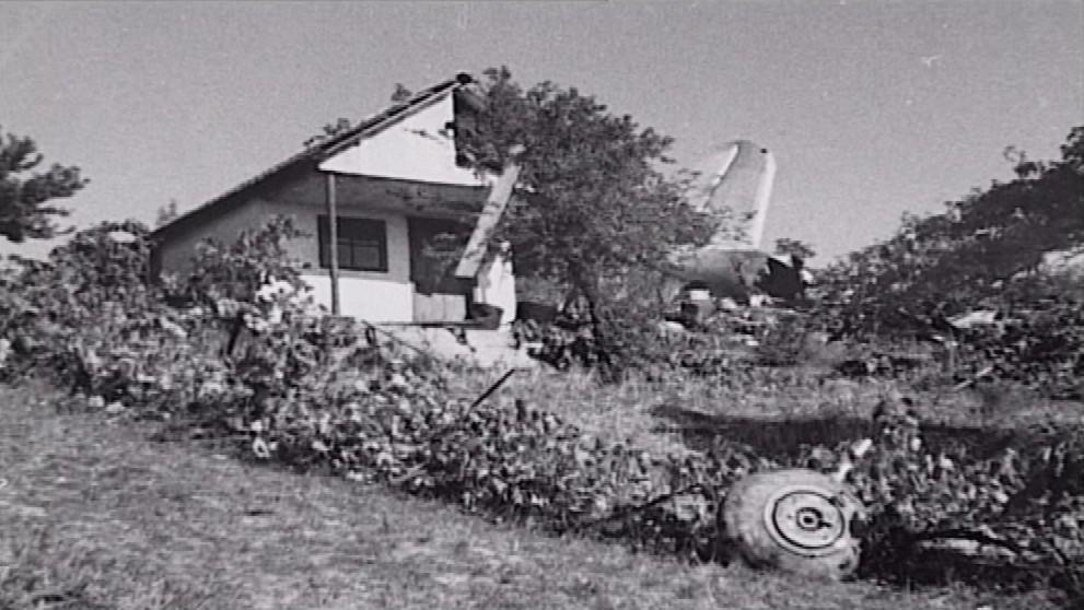 Letadlo se zřítilo na kopec Špidlák u Újezdu u Brna