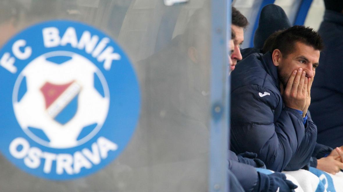 Milan Baroš na lavičce Baníku