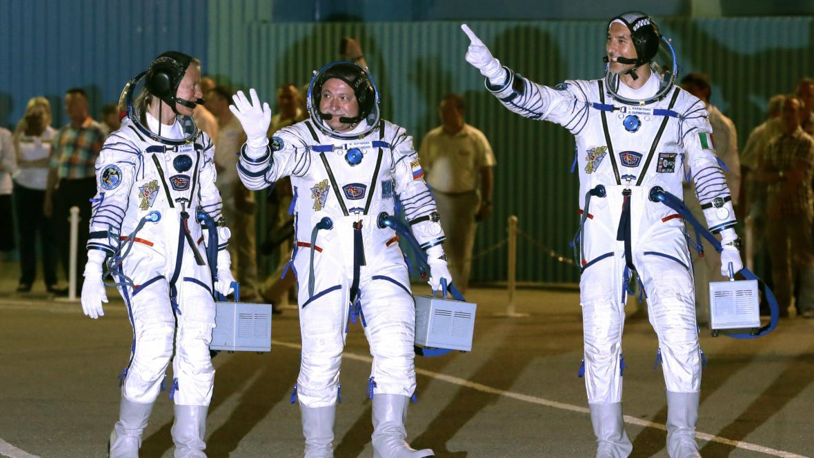 Posádka Sojuzu je připravena na šestihodinový let k ISS
