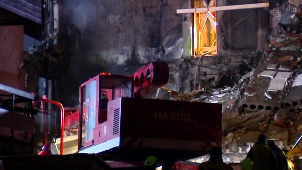 Odklízení trosek po výbuchu ve Frenštátu