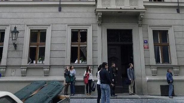 Následek výbuchu v Praze