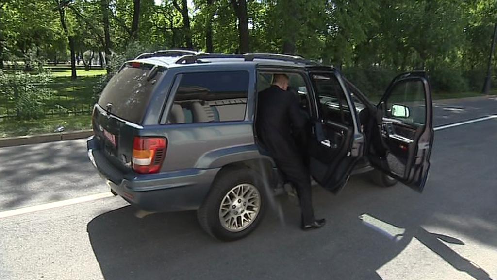 Nehoda Nečasovy kolony v Petrohradě