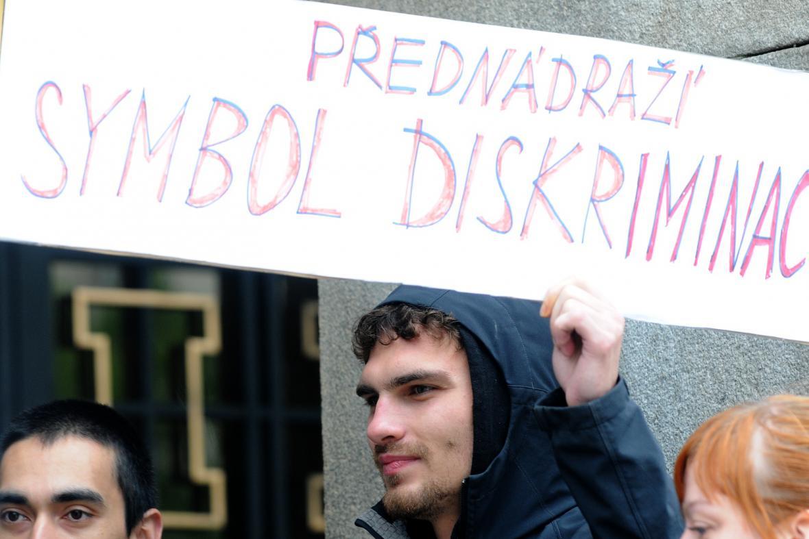 Demonstrace za sociální bydlení