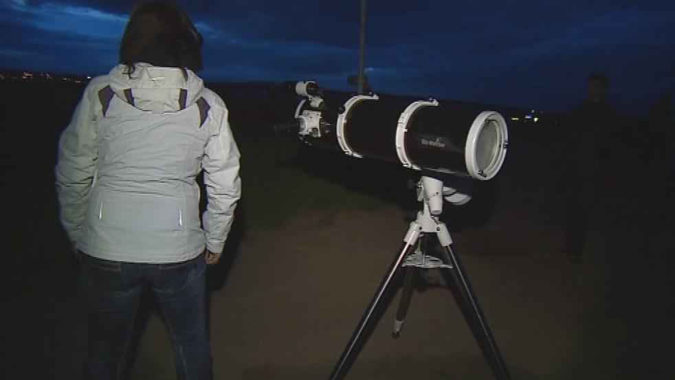 Amatérští astronomové pozorují světelné znečištění nad Znojmem