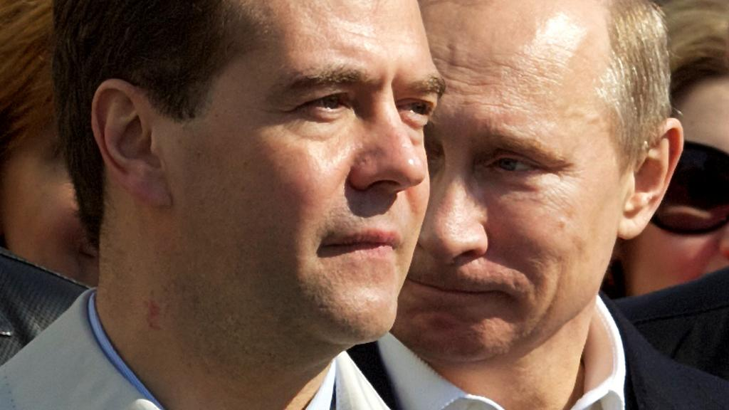 Dmitrij Medveděv a Vladimir Putin