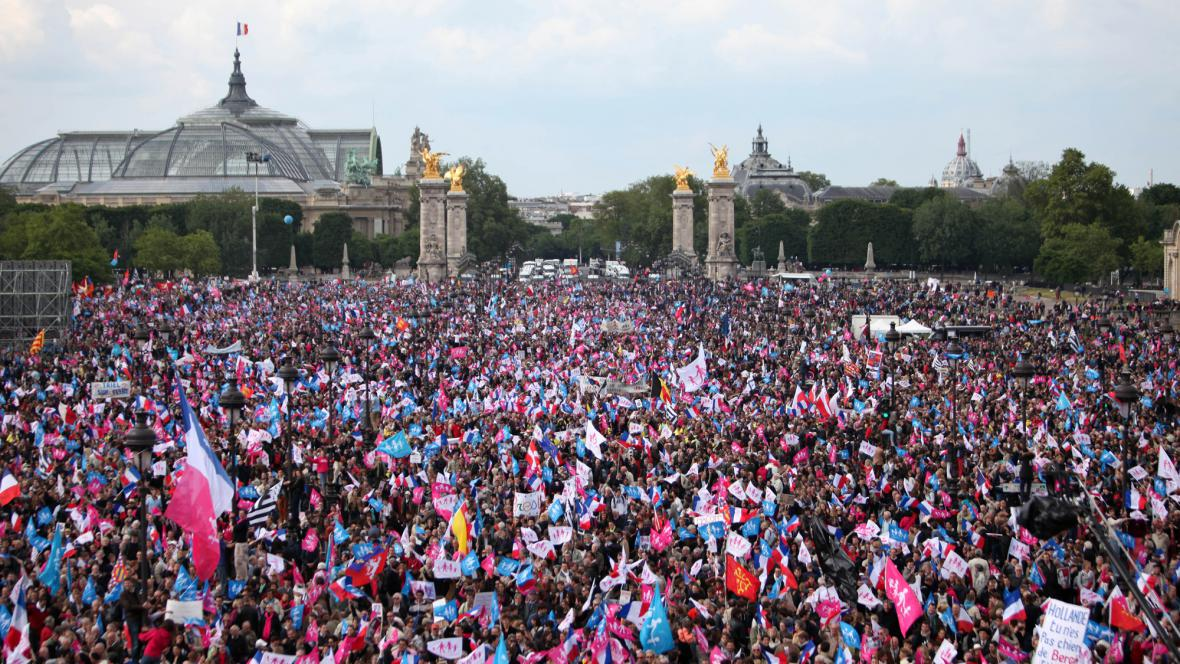 Demonstrace proti sňatkům homosexuálů