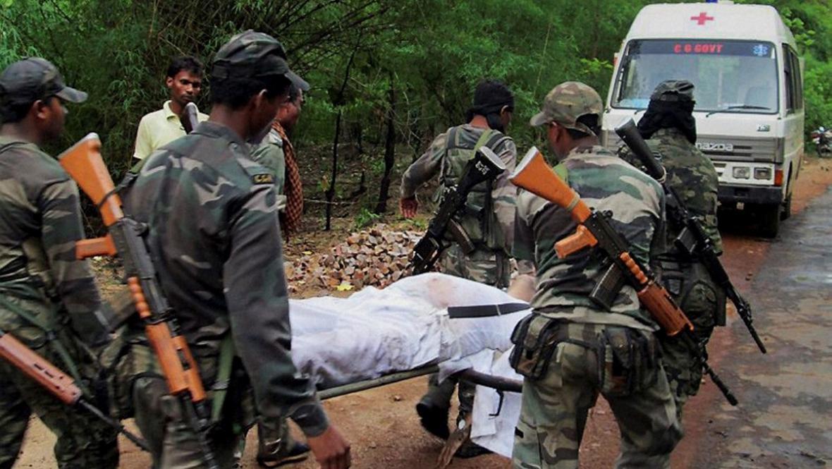 Maoističtí povstalci zaútočili v Indii na vládní konvoj