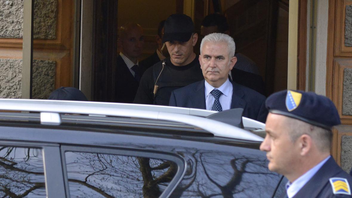 Policie odvádí Živka Budimira