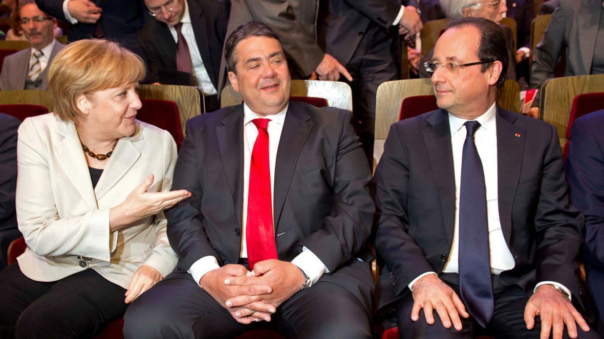 Angela Merkelová, předseda SPD Sigmar Gabiel a François Hollande