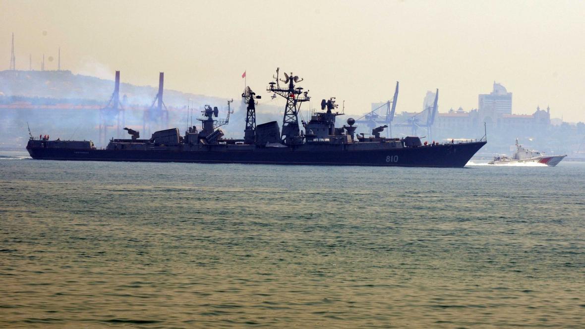Ruské lodě v přístavu Tartús