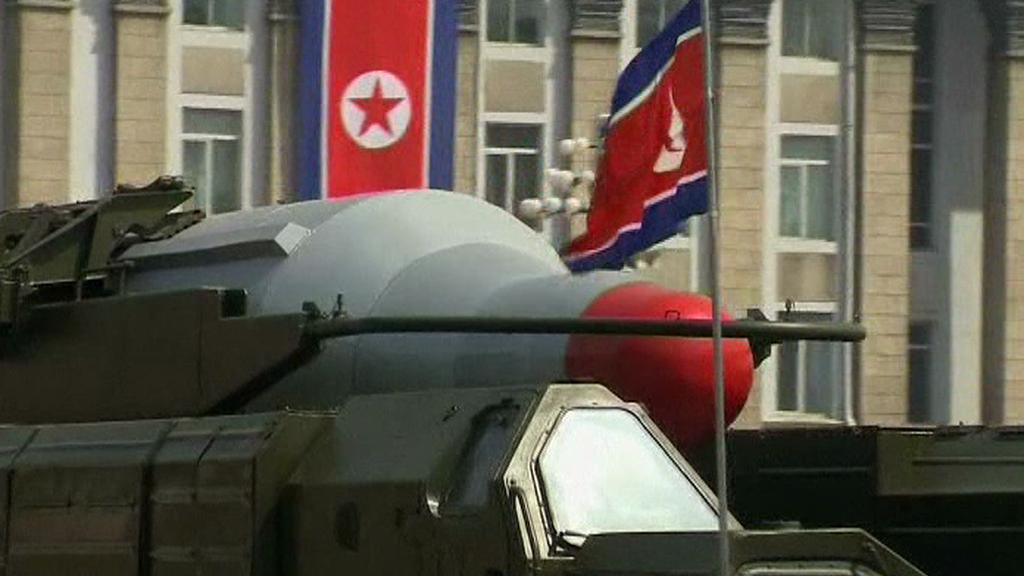 Přehlídka severokorejského zbrojení