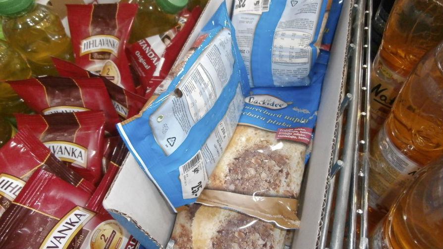 Myši prokousaly obaly od potravin