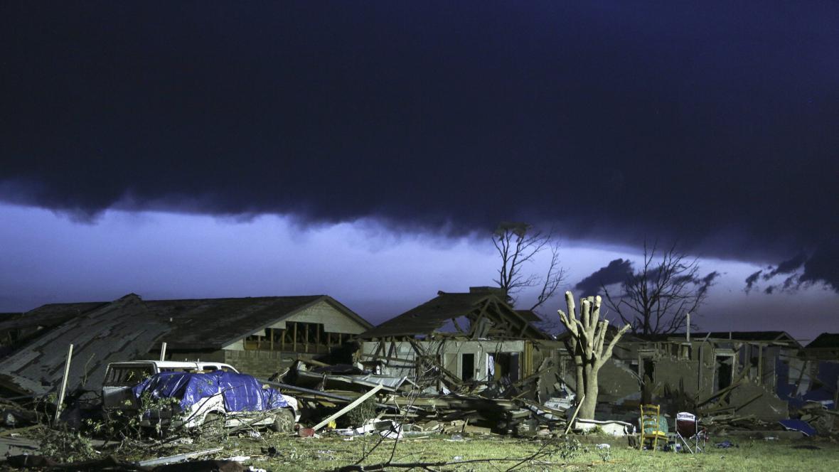 Následky tornáda v Oklahomě