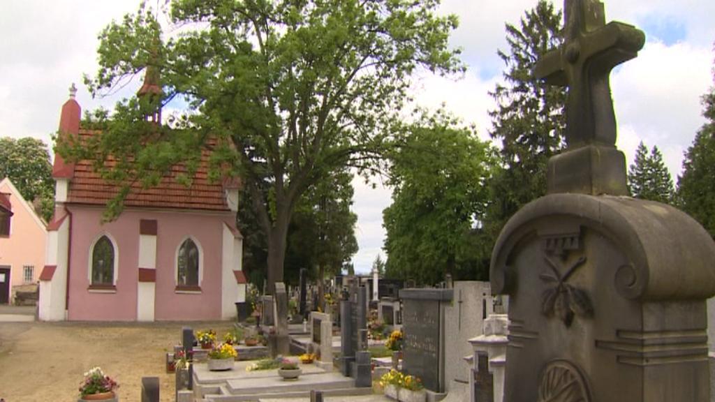 Kaple na hřbitově v Roudnici nad Labem