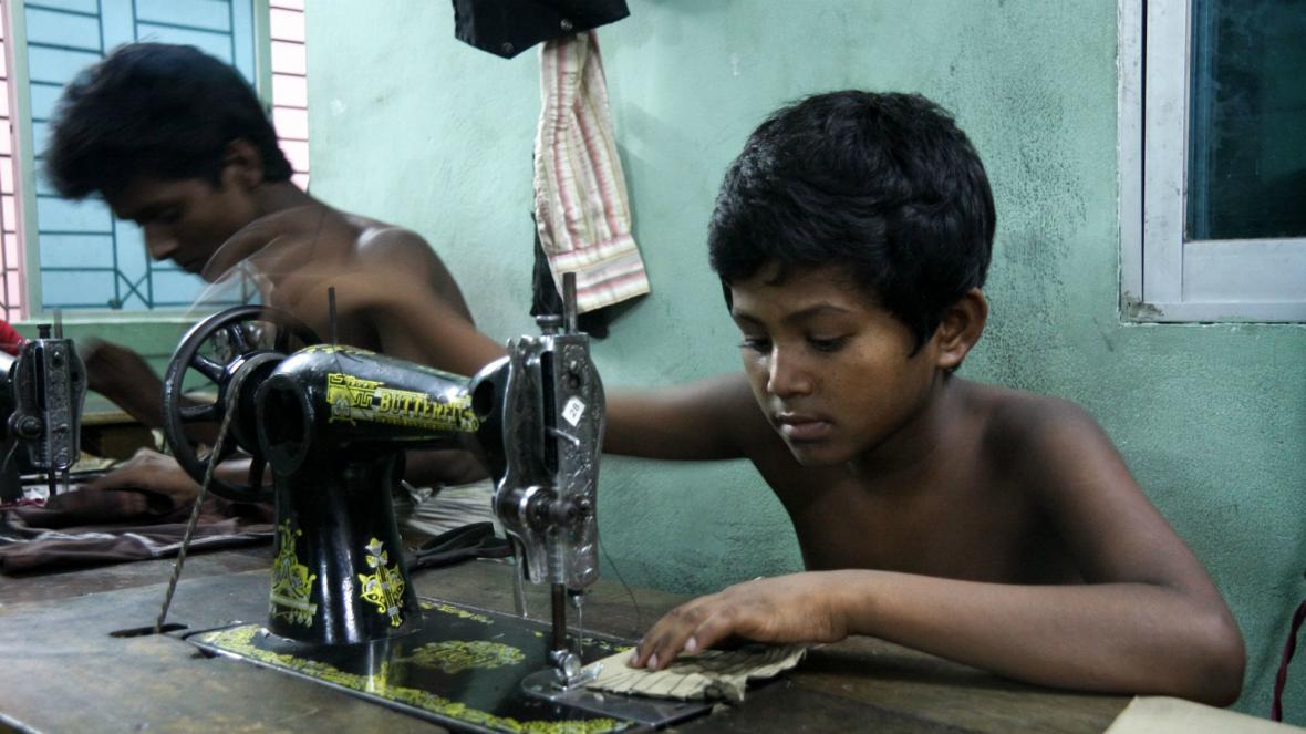 Textilky v Bangladéši se znovu naplno rozběhly