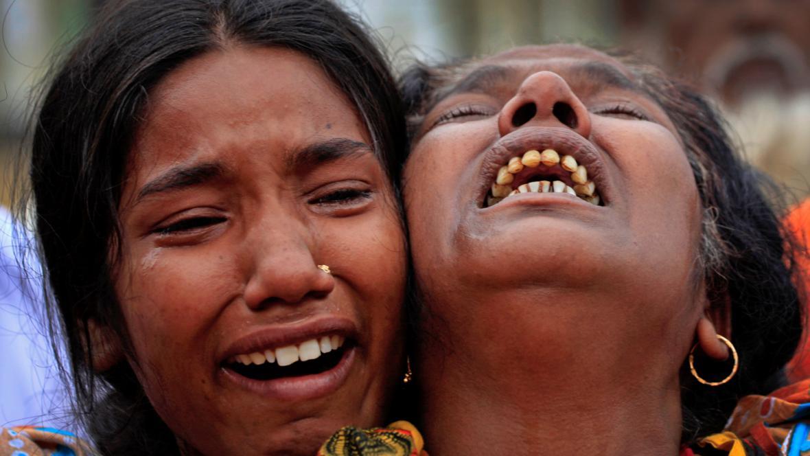 Pozůstalí po obětech bangladéšské tragédie