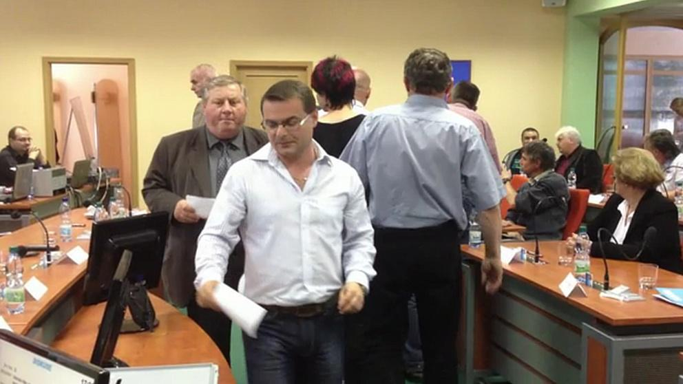 Hlasování zastupitelů Hodonína o odvolání starosty Igora Taptiče