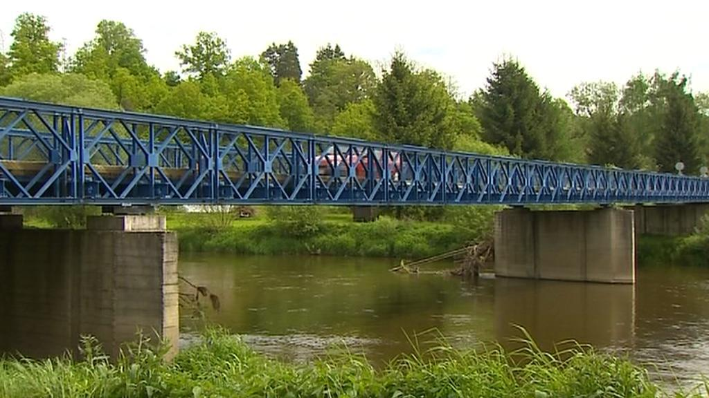 Most v Hutích
