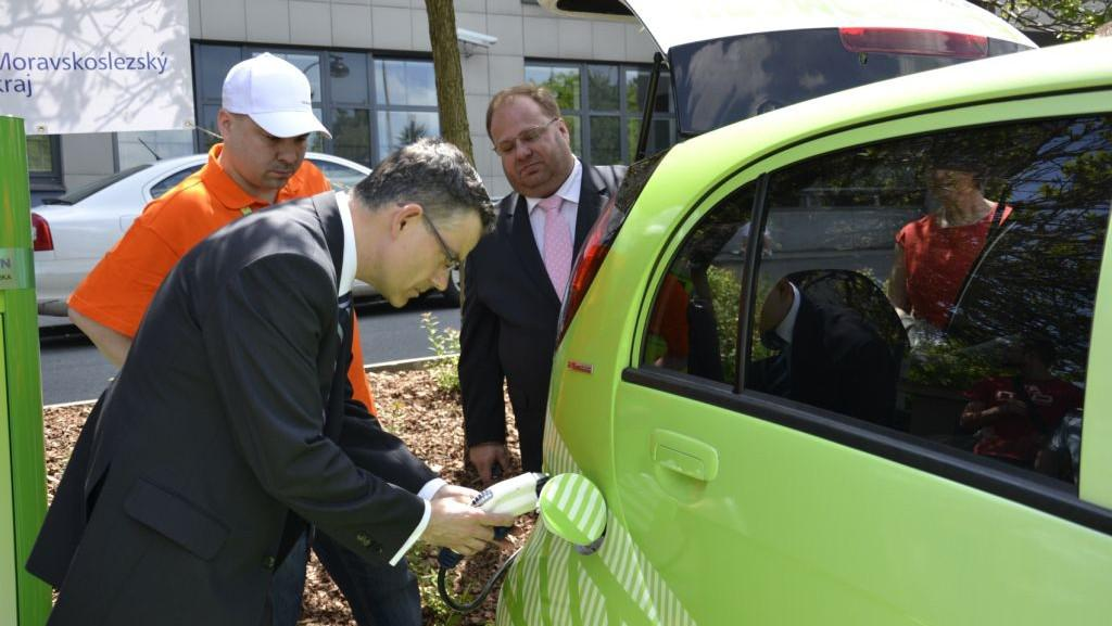 Ostrava podpořila elektromobily