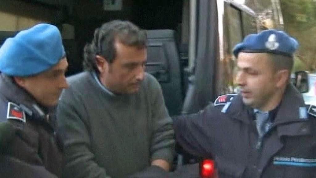 Zadržený Francesco Schettino